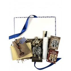 """""""Today celebrates World Philosophy day. For the world we know, is the world we have seen through the eyes of our philosophers. From Socrates to Plato and Aristotles, the greek spirit set the foundations of critical thinking. The Philosopher's Kit celebrate the uniqueness of these great minds.   #wedelivergreece #chicgreekgifts Explore more gifts ideas and stocking stuffers: https://chicgreekgifts.com/e-shop/58-philosopher-s-kit.html"""""""