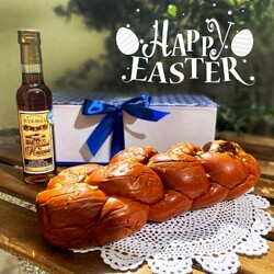 Spring is here and there is no better time to celebrate than Easter!    Celebrate the Greek way with traditional greek Easter tastes!    Kalo Pascha!   Order your Greek Easter gift box here:  https://chicgreekgifts.com/e-shop/147-greek-easter.html    #chicgreekgifts #wedelivergreece #easter #springseason