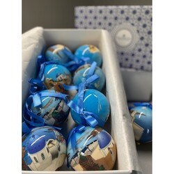 It is never too early to get new Christmas ornaments. Maybe the greek blue matches your Christmas tree this year! Or maybe you just need the picturesque Greek islands to gaze your Christmas dreams!  #wedelivergreece #chicgreekgifts Explore more gifts ideas and stocking stuffers: https://chicgreekgifts.com/e-shop/93-greek-christmas-balls-set-of-6.html