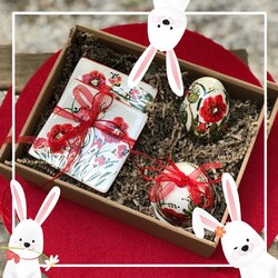 Feel the fresh breeze!! This season is full of sweet days and roses. Spring is here, let's give a big cheer and celebrate with our Spring Party gift box!   Order yours here:  https://chicgreekgifts.com/e-shop/59-spring-party.html    #chicgreekgifts #wedelivergreece #spring #springishere