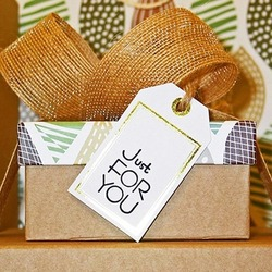 Tired of sending the same old holiday gift box to clients? Feeling unease with your typical speaker gift? Want to strike a special chord with attendees or a client you value?  Why Eco-Luxury? Why sustainable? Think added value, think green, think eco-luxury inspirational themes from Chic Greek Gifts.  #wedelivergreece #chicgreekgifts #wedeliverchristmas  Read more here : https://chicgreekgifts.com/smartblog/29_why-eco-luxury.html